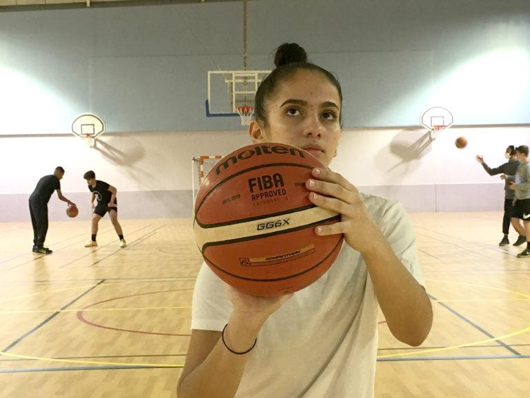 """Dounia BENOUAMA : """"Avant, le basket était pour moi un rêve..."""". Photo Désiré AMAN"""